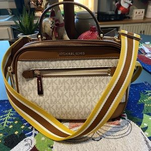 Michae Kors Vanilla Crossbody with big strap